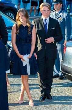 Ingrid Alexandra, Norwegian Royalty, Midi Dresses, Three Kids, Windsor, Norway, Sweden, History, Princess