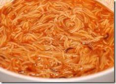 Aprende a cocinar una deliciosa sopa de fideo, un plato de la cocina mexicana que te hace sentir el calor de hogar.