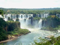 The Iguazu Waterfalls. borders between Argentina & Brazil. This is just amazing!!! <3