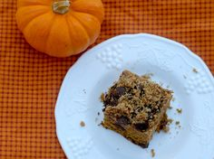 Pumpkin Chocolate Chip Streusel Cake #pumpkin #fallrecipe #chocolatechip #cake #pumpkineverything