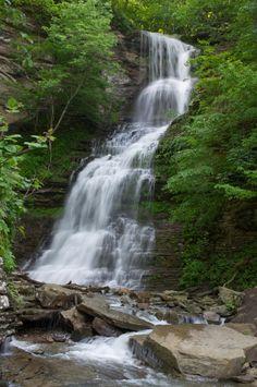 15 Beautiful waterfalls in West Virginia.  http://www.onlyinyourstate.com/west-virginia/15-west-virginia-waterfalls/