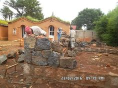 Voûte 2016 - MADAVOUTE Construction, Montage, Mansions, House Styles, Wall, Rainy Season, Granite Counters, Building, Manor Houses
