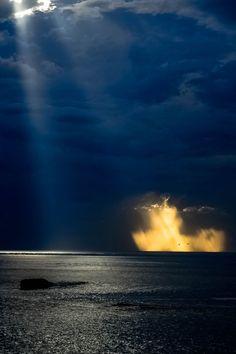 atraversso:  Biarritz avant l'orage  by Marc Lardot