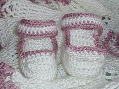 Newborn Mary Janes - Quick Crochet Baby Booties