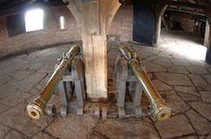 Les canons exposés dans le Grand Bastion du château du Haut-Koenigsbourg - © Jean-Luc Stadler