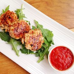 Need something #lean & #nutritious - created these Italian turkey burgers with roast peppers sun-dried tomatoes capers herbs & served with roast red pepper & tomato dipping sauce. A  #vegetable packed #salad too. #leanmeals #paleo #instafood #eatclean #weightloss #fatloss #musclefood #mealprep #fitfam #foodie #healthyeating #healthy #healthyfoodporn #healthylondon #beachbody #ldnm #ldnmladies #bbg