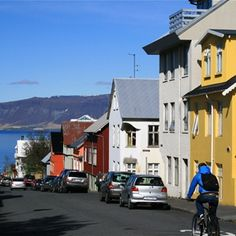 Off the Brochure Travel Guide: Reykjavik, Iceland - Peter Greenberg Travel Detective Iceland Travel Tips, Travel Guide, Iceland Adventures, Island Nations, Best Places To Travel, City Streets, Places Ive Been, Wander, Street View