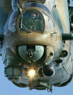 Attack Helicopter Gunner Cockpit front view😮😮😮 it AMAZING? Russian Military Aircraft, Military Helicopter, Military Jets, Military Weapons, Mi 24 Hind, Ww2 Aircraft, Fighter Aircraft, Fighter Pilot, Fighter Jets