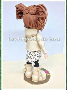 Niña fofuchas con dos coletas.  http://handcraftpinterest.blogspot.com
