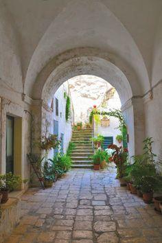 Merche Muñoz - Google+ - A traditionalcourtyard house in Salento Peninsula (Italy).…