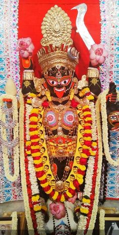 Indian Goddess Kali, Goddess Lakshmi, Indian Gods, Maa Kali Images, Lakshmi Images, Mother Kali, Divine Mother, Kali Mata, Hindu Statues