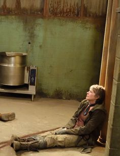 The Walking Dead Season 6 Episode 13 'The Same Boat' Carol Peletier she knows how to fool these bitches