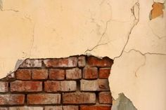 How to Create a Faux Exposed Brick Wall Using Veneer thumbnail
