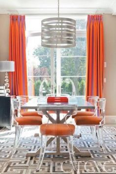 Enchanting Modern Room with Lucite & Acrylic Furniture Ideas