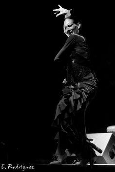 Úrsula López. #Flamenco #Bailaora #Blancoynegro