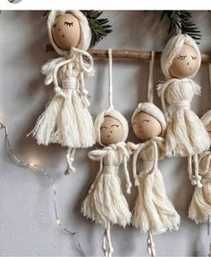 23 Clever DIY Christmas Decoration Ideas By Crafty Panda Macrame Design, Macrame Art, Macrame Projects, Yarn Crafts, Diy And Crafts, Crafts For Kids, Arts And Crafts, Christmas Crafts, Christmas Decorations
