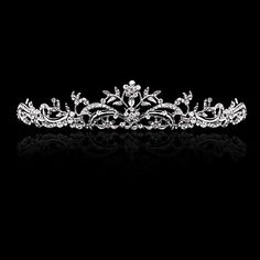 Gorgeous Alloy With Rhinestone And Pearl Flower Design Bridal Tiara – CAD $ 22.37