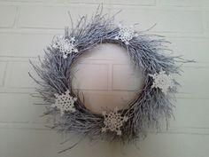 Talvinen kranssi Grapevine Wreath, Grape Vines, Wreaths, Home Decor, Decoration Home, Room Decor, Vineyard Vines, Bouquet, Vines