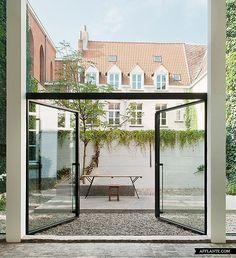 Gallery House 'Valerie Traan' // LENS°ASS Architecten | Afflante.com