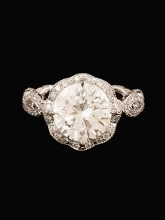 Vintage ring ... this may be the prettiest ring i've ever seen.