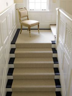 Painted Stairs Design Ideas, Pictures, Remodel, and Decor - page 3 White Staircase, Staircase Runner, Staircase Design, Staircase Ideas, Stair Design, Staircase Remodel, Staircase Makeover, Painted Stairs, Wooden Stairs