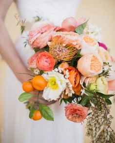 Get the best wedding bouquet ideas. These bridal bouquets boast the prettiest colors, flowers, and shapes. Lemon Centerpieces, Wedding Table Centerpieces, Wedding Decorations, Fruit Wedding, Summer Wedding, Dream Wedding, Orange Wedding, Floral Wedding, Diy Wedding