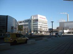 本社  www.kobe-porsche.jp