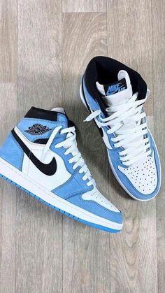 Cute Nike Shoes, Cute Nikes, Nike Air Shoes, Jordan Shoes Girls, Jordans Girls, Girls Shoes, Swag Shoes, Aesthetic Shoes, Fresh Shoes