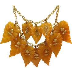 Elegante Y Chic, Jewelry Necklaces, Jewellery, Vintage Fall, Fall Leaves, Brass Chain, Autumn Inspiration, Vintage Brooches, Lovely Things