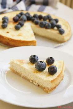 Low-carb & keto cheesecake - eKucharka.cz Keto Cheesecake, Low Carb Keto, Breakfast, Ethnic Recipes, Carp, Food, Morning Coffee, Essen, Common Carp