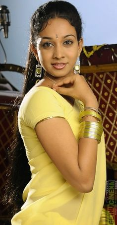 Actress Karthika Adaikalam Gallery - Gethu Cinema Indian Actress Hot Pics, South Indian Actress, Actress Photos, Indian Actresses, Beautiful Girl Indian, Beautiful Indian Actress, Beautiful Women, India Beauty, Asian Beauty