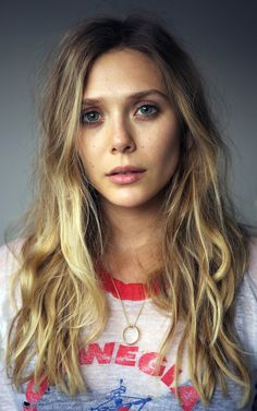 Elizabeth Olsen fresh face wave, blond