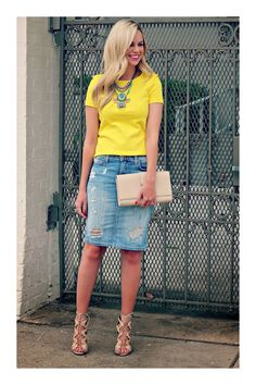 16 distressed denim skirt with a yellow top and lace up sandals - Styleoholic # Casual Outfits modest sandals Look Casual Chic, Look Chic, Denim Skirt Outfits, Casual Outfits, Cute Outfits, Denim Skirts, Midi Skirts, Long Skirts, Modest Outfits