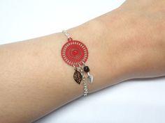 Bracelet rouge et noir argenté rosace feuilles perles verre de Bohême tendace moderne mariage cérémonie odacassie.com : Bracelet par odacassie
