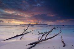 Timm Allrich ! Herrliche Aufnahmen von der Ostsee und vieles mehr. Ein Besuch ist nur zu empfehlen !