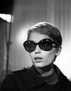 Mia Farrow, black sunglasses, 1960s, sixties fashion