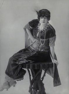 Gypsy Love, 1912 [NPG photo'].