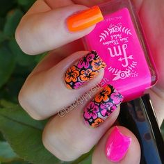 Nail art @fairmaidenpolish Ooh La La and Tickle Me Pink - two buttery smooth neon crèmes cover perfectly in two easy coats.  Stamp: @bundlemonster Polynesia XL-108 with noir black B 126.