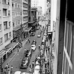 Rua Halfeld em 1967. Foto tirada do prédio da Galeria Pio X.