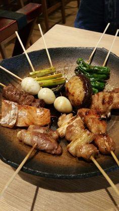 Issho Izakaya Pub Food, Cafe Food, Food 52, Food Menu, Japanese Dishes, Japanese Food, Izakaya Recipe, Food Park, Tapas
