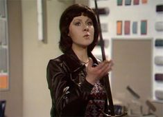 Sarah Jane is as sharp as ever. New Doctor Who, First Doctor, Eleventh Doctor, Dr Who Tom Baker, Sarah Jane Smith, Jon Pertwee, Doctor Who Companions, Classic Doctor Who, Photography Movies