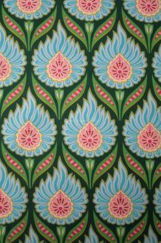 Si vous aimez les fleurs et les décorations picturales chargées, cette sélection devrait assurément vous faire rêver. Nous avons en effet réuni des visuels de motifs floraux qui rappellerons à cert…