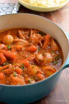 Slimming Mmmmmmm Syn Free Chicken and Baked Bean Casserole! - a recipe that will have the entire family clearing their bowls. Slimming World Recipes Syn Free Chicken, Slimming World Chicken Casserole, Slimming World Dinners, Slimming Eats, Slimming Recipes, Baked Bean Casserole, Casserole Recipes, Cooking Recipes, Healthy Recipes