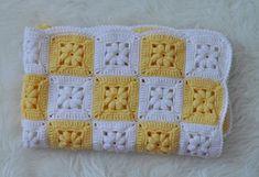 Daha fazla bilgi için gönderiyi ziyaret edin. Easy Crochet Blanket, Crochet Poncho, Love Crochet, Crochet Granny, Crochet Baby, Baby Booties Knitting Pattern, Knitting Patterns, Crochet Patterns, Crochet Bedspread Pattern