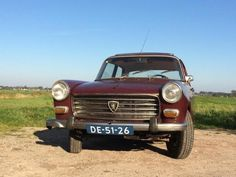 Peugeot 404 1.6 1967 Rood Auto Peugeot, Vintage Cars, Classic Cars, Motorcycles, Europe, French, Usa, Vehicles, Autos