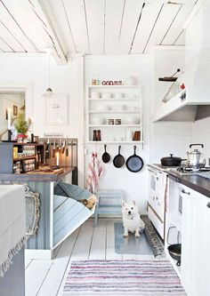 love this kitchen for my beach house ; Home Decor Kitchen, Rustic Kitchen, Kitchen Interior, Home Kitchens, Kitchen Design, Eclectic Furniture, Eclectic Decor, Cocina Office, Sweet Home
