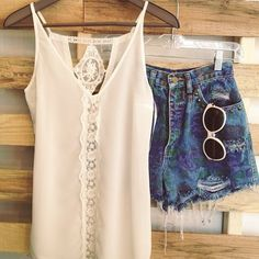 vintage cutoffs and lace tank outfit of the day