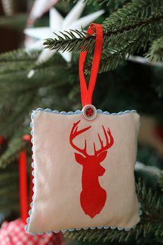 Fragrant Christmas Sachets for the Christmas Tree