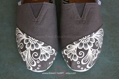 White Henna Custom Painted TOMS Shoes - Henna Flower - White Mehndi - Flower GIrl - Hand Painted Shoes - Bohemian Flower