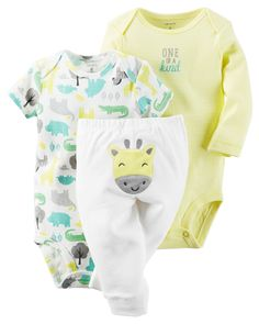 Featuring a cute little giraffe on the bottom and two coordinating bodysuits, this babysoft cotton set lets baby mix and match with essential pants.